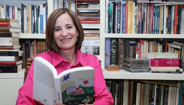Escribir sobre Guty Cárdenas por Mónica Lavín